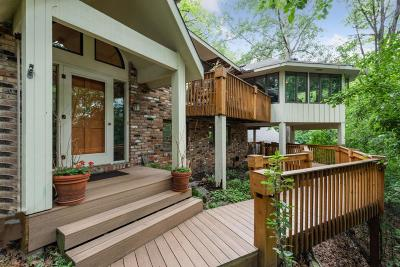 Edina Single Family Home For Sale: 6440 Indian Hills Pass