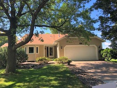 Maple Grove Single Family Home For Sale: 9257 Sycamore Lane N