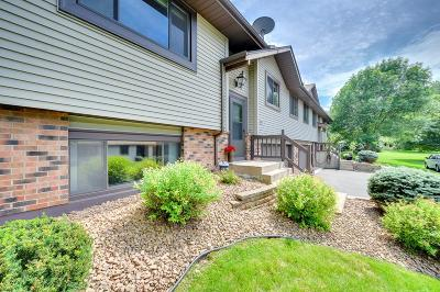Shoreview Condo/Townhouse Contingent: 560 Donegal Circle
