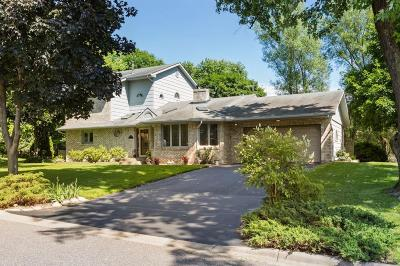 Minnetonka Single Family Home For Sale: 5835 Scenic Court