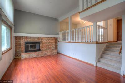 Saint Louis Park Condo/Townhouse For Sale: 2046 Louisiana Avenue S
