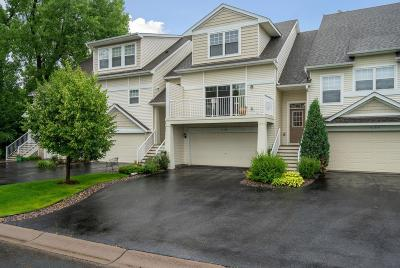 Plymouth Condo/Townhouse For Sale: 5104 Fountain Lane N