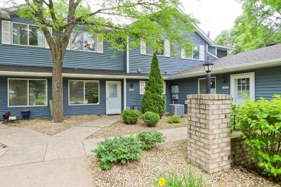 Shoreview Condo/Townhouse For Sale: 5944 Fernwood Street