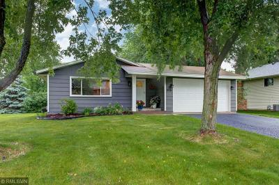Shoreview Single Family Home For Sale: 508 Lake Cove Court