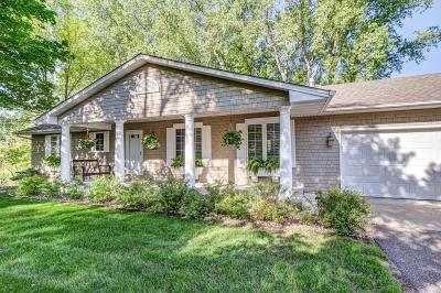 Minnetonka Single Family Home For Sale: 2708 Crestwood Circle