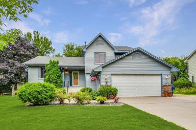 Maple Grove Single Family Home For Sale: 9809 Norwood Lane N