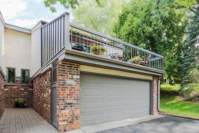 Edina Condo/Townhouse For Sale: 6050 Blake Ridge Road