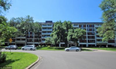 Edina Condo/Townhouse Contingent: 6400 York Avenue S #412