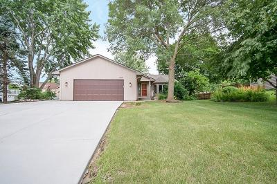 Lakeville Single Family Home For Sale: 17310 Jade Terrace