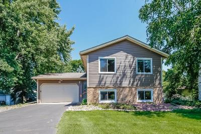 Maple Grove Single Family Home For Sale: 9638 Valley Forge Lane N