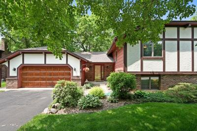 Eagan Single Family Home For Sale: 4557 Ches Mar Drive