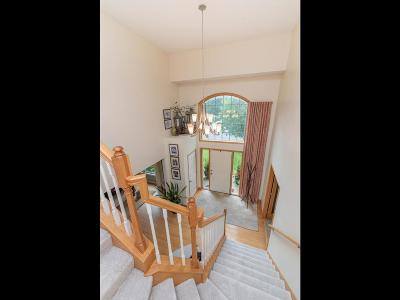 Shakopee Single Family Home For Sale: 1458 Ashbourne Circle