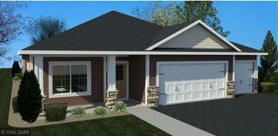 Isanti Single Family Home For Sale: 209 8th Street NE