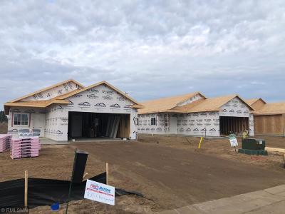 Isanti Single Family Home For Sale: 709 Cherrywood Lane NE