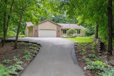Minnetonka Single Family Home For Sale: 18625 Ridgewood Road