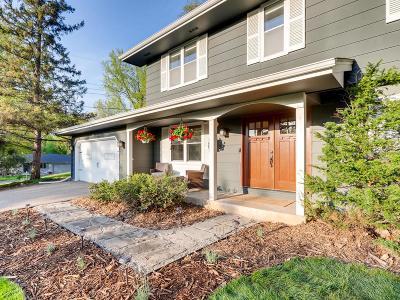 Minnetonka Single Family Home For Sale: 5041 Woodgate Court