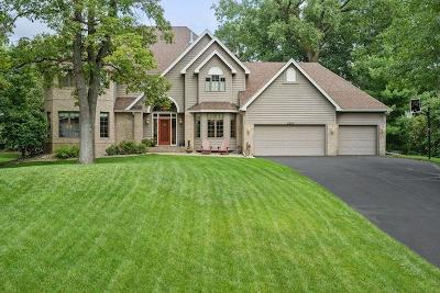 Burnsville Single Family Home For Sale: 2204 Wildwood Court