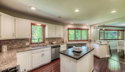 Minnetonka Single Family Home For Sale: 3517 Sunrise Drive W