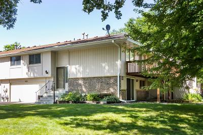 Maple Grove Condo/Townhouse For Sale: 6633 Ives Lane N