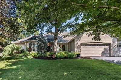 Burnsville Single Family Home For Sale: 14609 Summit Oaks Drive