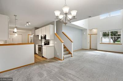 Lakeville Condo/Townhouse Contingent: 17096 Embers Avenue