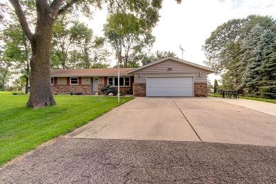 Single Family Home For Sale: 28068 N Circle Drive