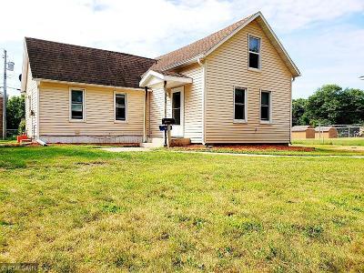 Menomonie Single Family Home For Sale: 404 13th Avenue W