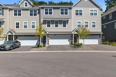 Maple Grove Condo/Townhouse For Sale: 17588 96th Place N