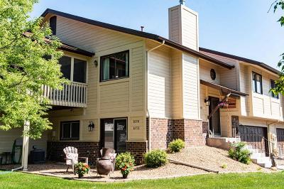 Maple Grove Condo/Townhouse Contingent: 8352 Oakview Court N