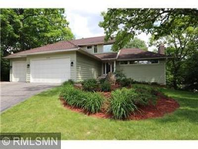 Burnsville Single Family Home For Sale: 1417 Forest Park Lane
