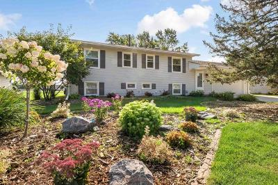 Apple Valley Single Family Home For Sale: 889 Hopewell Lane