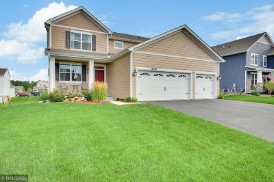 Lakeville Single Family Home For Sale: 18928 Huntley Trail