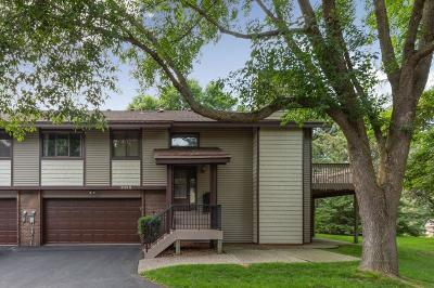 Eagan Condo/Townhouse For Sale: 3134 Farnum Drive #B