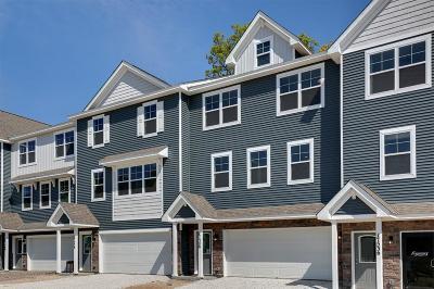 Woodbury Condo/Townhouse For Sale: 8790 Granite Lane