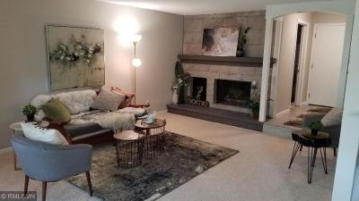 Edina Condo/Townhouse For Sale: 6085 Lincoln Drive #214