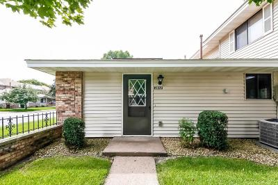 Hennepin County Condo/Townhouse For Sale: 2512 Brookdale Lane