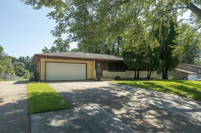 Burnsville Single Family Home For Sale: 2717 Sunset Lane