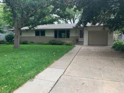 Roseville Single Family Home For Sale: 2816 Farrington Street