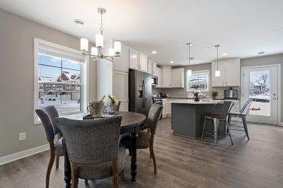 Rogers Condo/Townhouse For Sale: 11621 Forest Lane