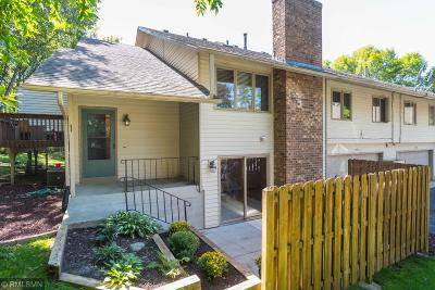 Plymouth Condo/Townhouse For Sale: 5278 Ximines Lane N