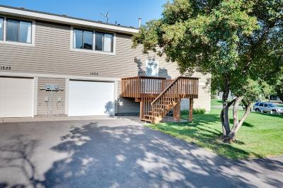 Blaine Condo/Townhouse Contingent: 1524 127th Lane NE