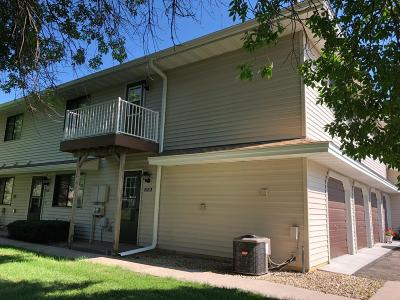 Hennepin County Condo/Townhouse For Sale: 2736 Brookdale Lane N