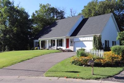 Lakeville MN Single Family Home For Sale: $459,000