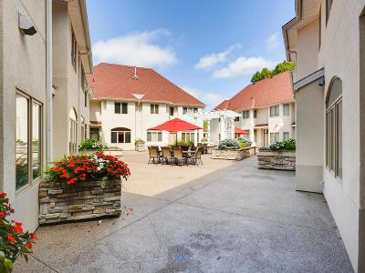 Minnetonka Condo/Townhouse For Sale: 12811 Sherwood Place #12