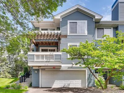 Plymouth Condo/Townhouse For Sale: 15600 24th Avenue N #E
