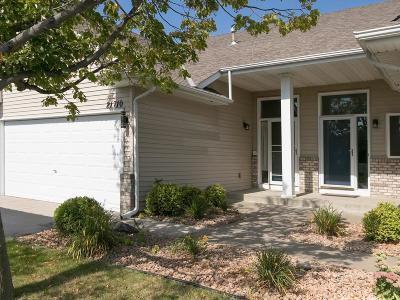 Rogers Condo/Townhouse For Sale: 21710 Evergreen Trail
