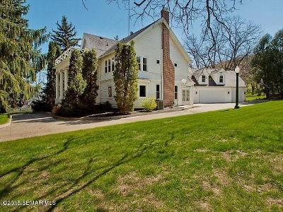Rochester Single Family Home For Sale: 3320 Mayowood Road SW