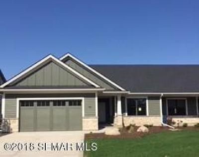 Rochester Single Family Home For Sale: 1047 Fox Hill Lane SW