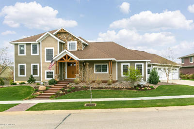 Rochester Single Family Home For Sale: 936 Fox Knoll Drive SW
