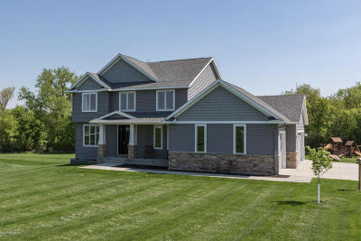 Rochester Single Family Home For Sale: 3931 Creek View Lane SW